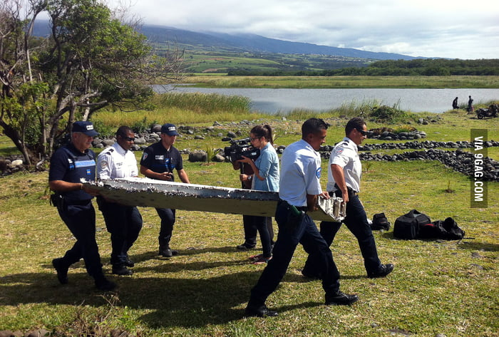 They might found a piece of the missing plane MH370 in Reunion Island! WTF, this is where I live!