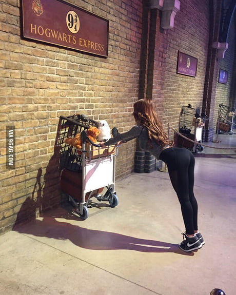 When you still wanna look hot whilst going to Hogwarts