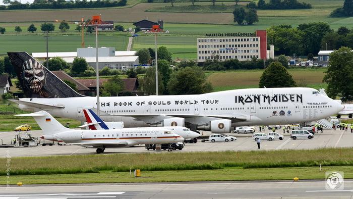 Iron Maiden Merkel Flugzeug