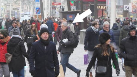 The President of Austria casually walking in Vienna. Nobody bats an eye.: The,best,free,download