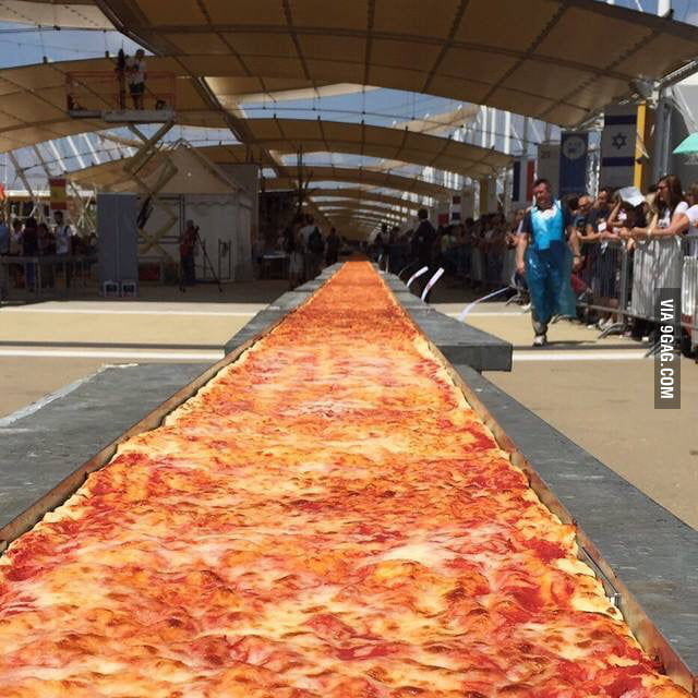 Longest pizza ever made, 1595m. Yesterday, EXPO Milan 2015