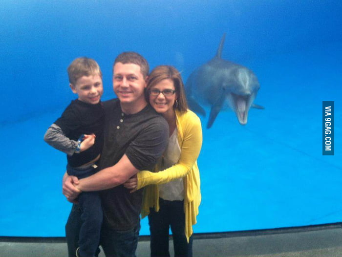 Photo-bombed at the National Aquarium