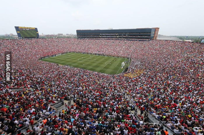 The largest US soccer crowd ever.