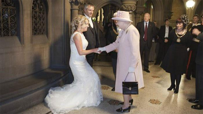 A British Couple Jokingly Invited Queen Elizabeth To Their 2012 Wedding And She Actually Showed Up