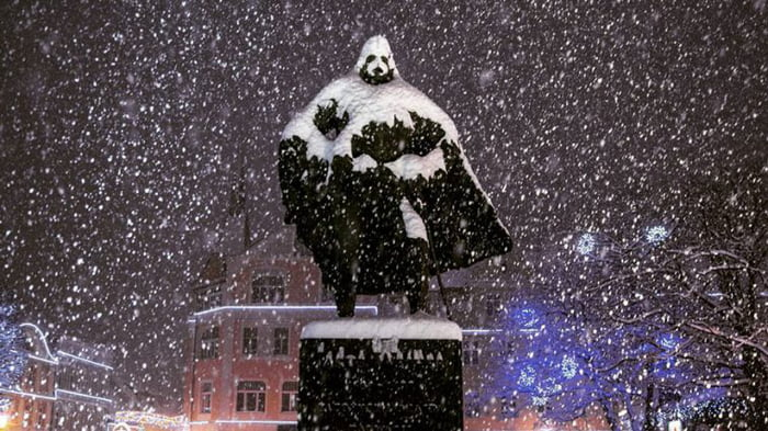 Polish statue becomes Darth Vader during winter. All hail the Dark Lord.