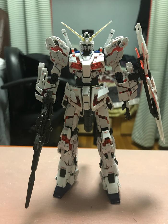 I heard that some of y'all like gundams. So here's a RG 1/144 RX-0 Unicorn build.