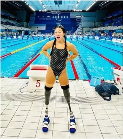 This girl lost her legs in a family suicide attempted by her parents when she was 14 months, today, 17 years after, is going to compete in Paralympic Games.