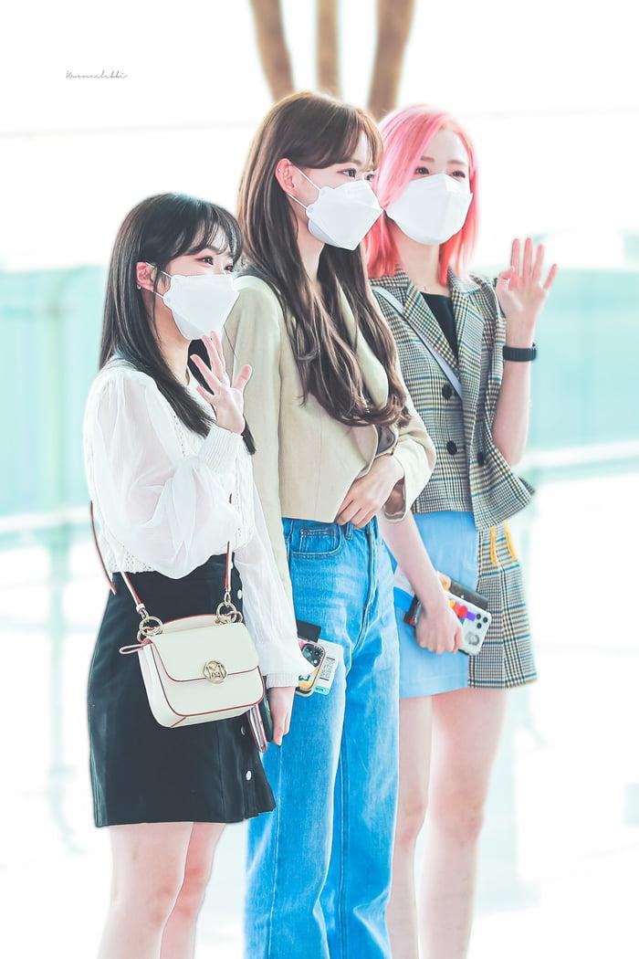 Photo : Nako, Sakura, Hitomi