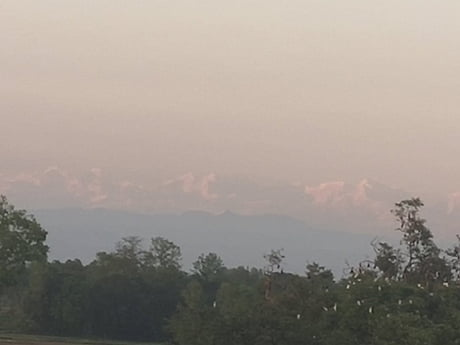 Awesome Mount Everest visible from Singhwahini Village in Bihar, India (200km as the crow flies)