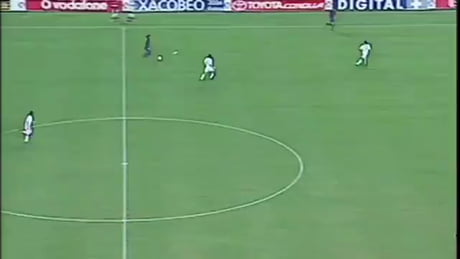 First goal of Ronaldinho for Barcelona - Video | Gif-Vif