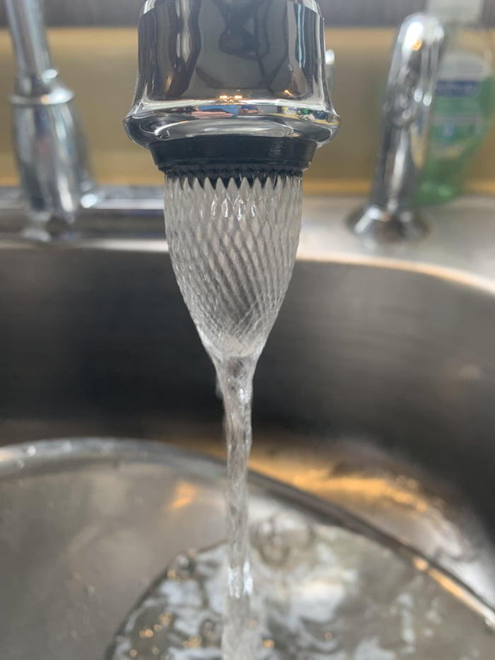 This pattern from the faucet...