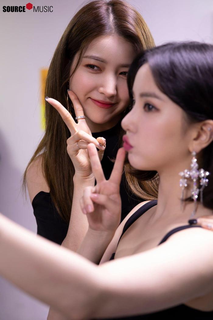 Photo : Sowon & her baby Eunha!