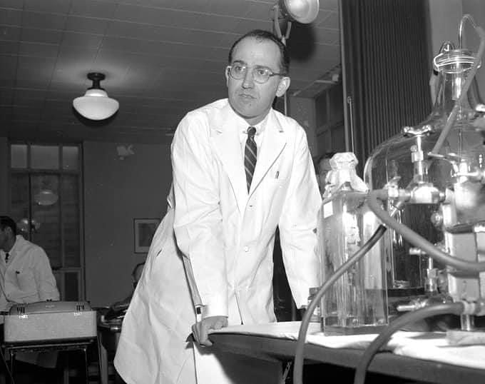 #Polio was most frightening public health problems in the world. On this day in 1953 Dr. Jonas Salk announced that he has developed vaccine for it & later saved millions. You know he never patented it. Said; Can you patent sun. It belongs to the humanity.