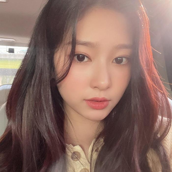 Photo : 210717 Urban Works Ent. Twitter Update with Kim Minju 2