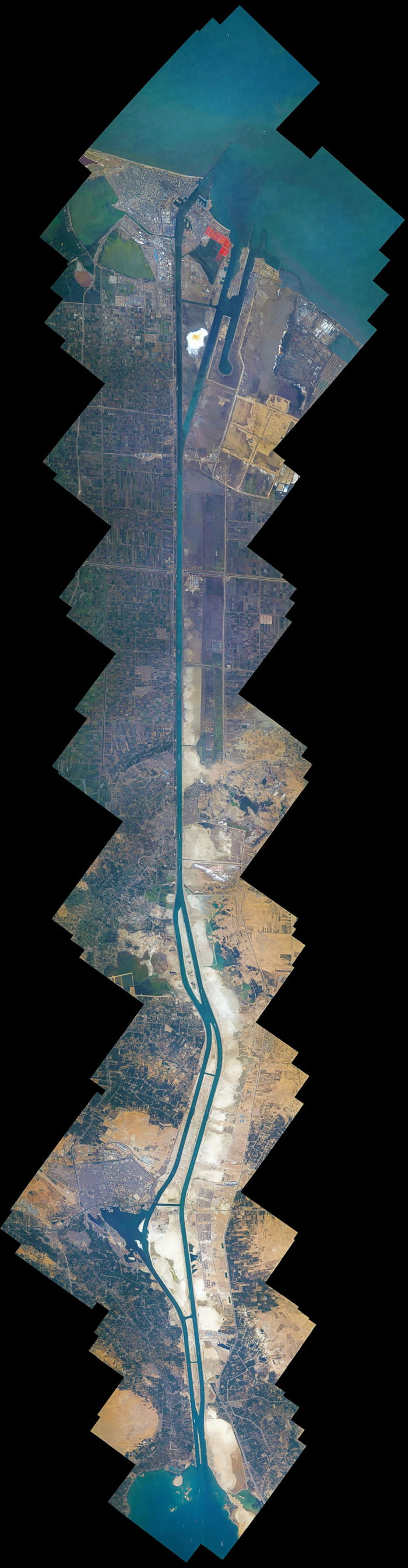 The Suez canal complete - stitched together from 100 pictures with the highest zoom possible.