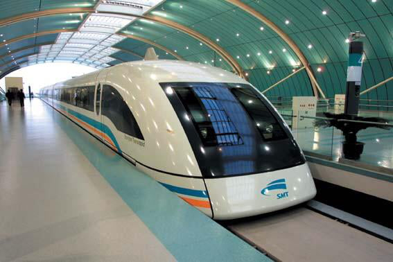 A Shanghai Train that levitates thanks to magnets it can reach a speed of up to 370 mph