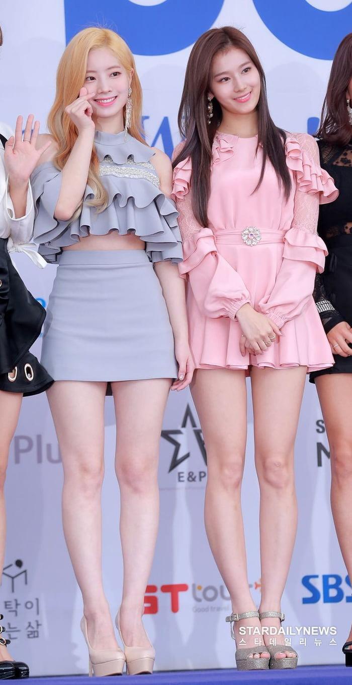 Photo : Twice - Dahyun & Sana