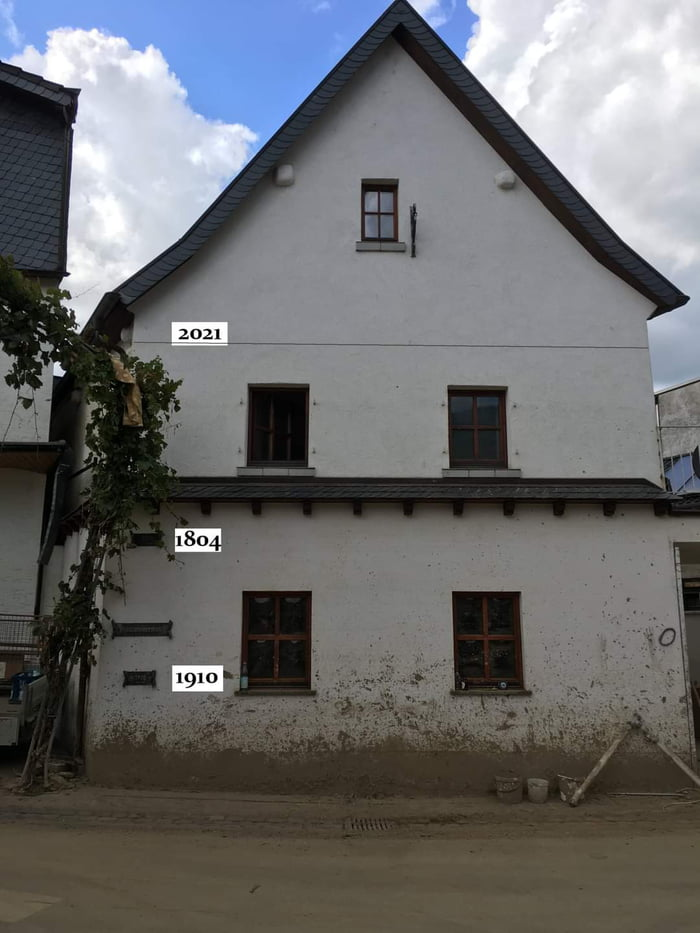 Historic Flood levels compared to this years flood of the Ahr in Germany.