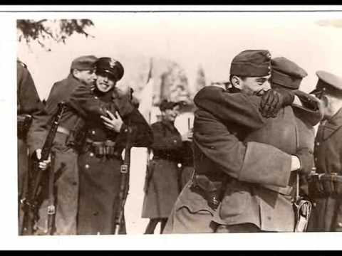Polish and Hungarian soldiers Hugging at border, Hungary was ally of 3Reich. They refused to attack Poland.