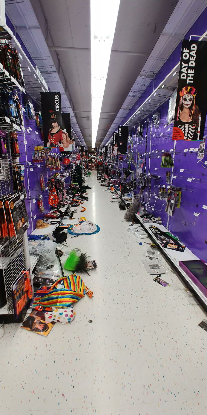Last minute halloween shoppers are the worst