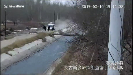 Police form human ladder to rescue teen boy washed away in river
