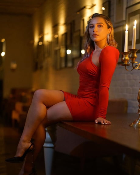 30+ Florence-pugh photographs, GIFs, Videos and more