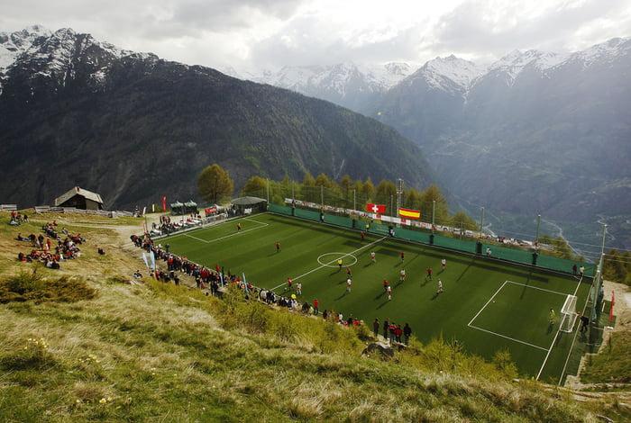 Lapangan bola di dataran tertinggi di Eropa
