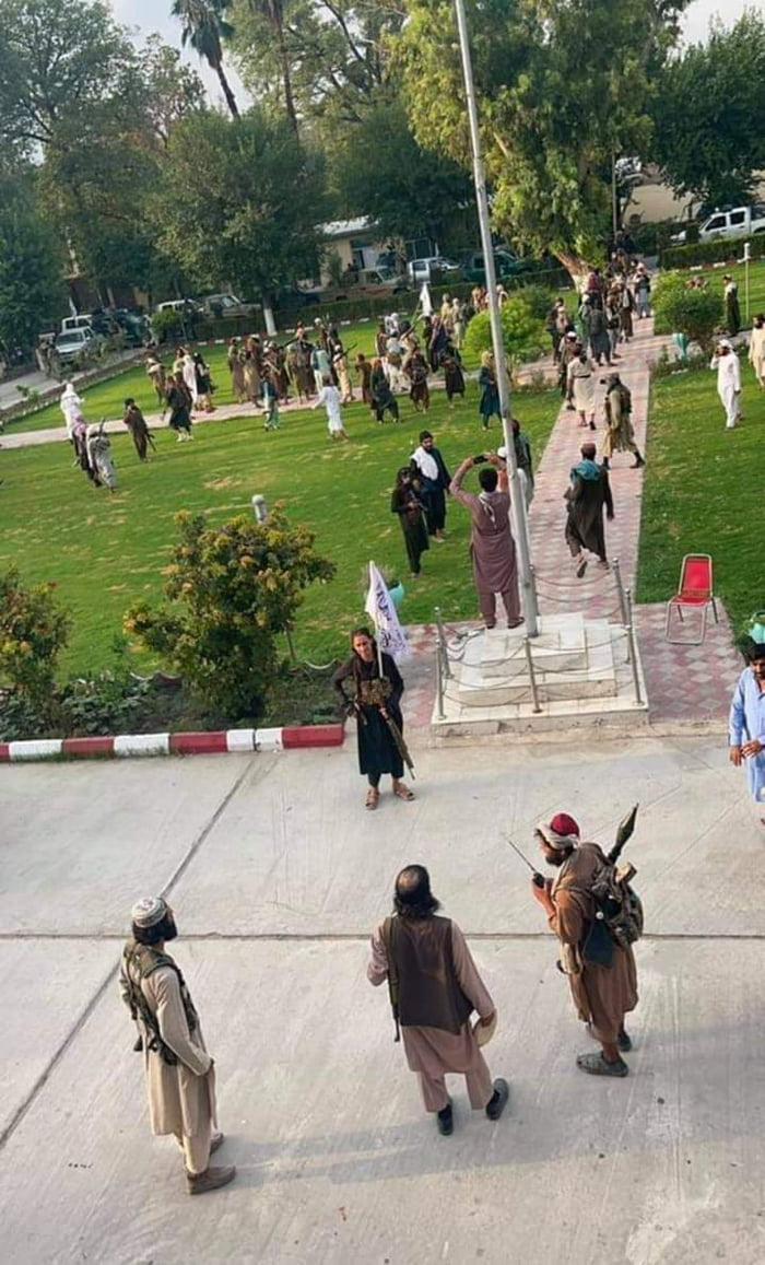 The result of 20 years of war in Afghanistan. Nothing. (Kabul hours ago)