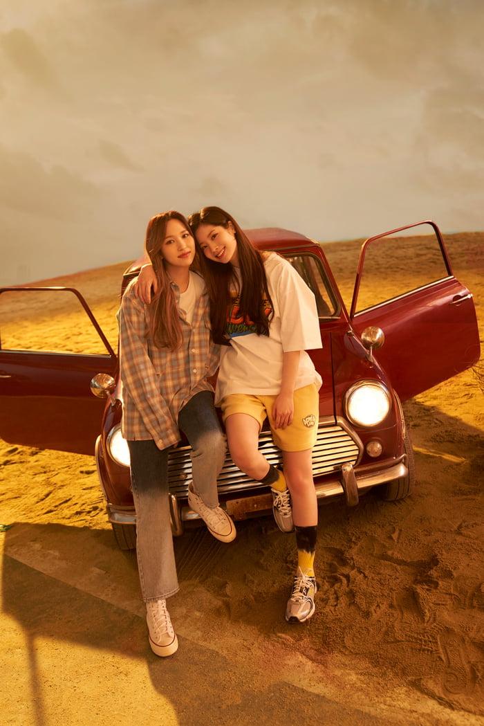 Photo : Mina and Dahyun for ADLV