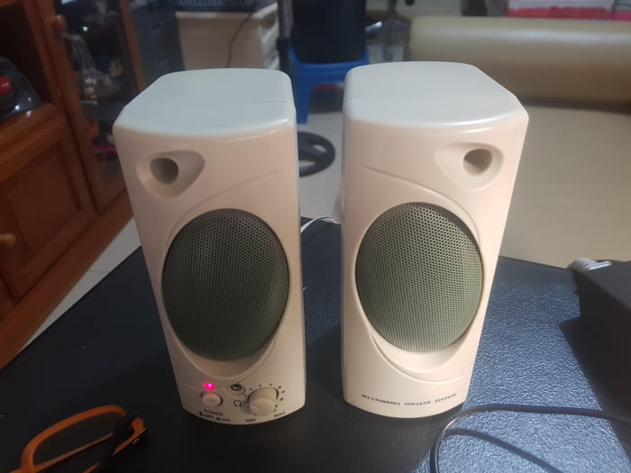 The 1990s PC speakers ... Still useful until now.