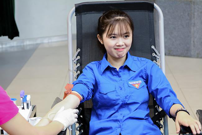 In Vietnam, blood donors receive certificates which they can use to get back the same amount of blood they have donated, for free, if they later need a blood transfusion