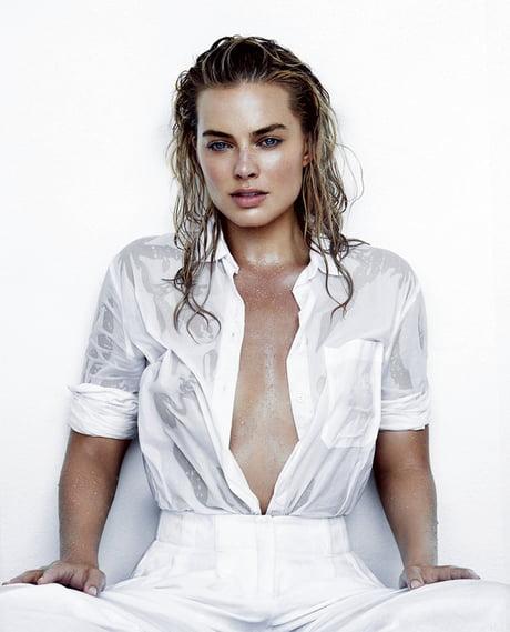 Margot Robbie all wet - 9GAG