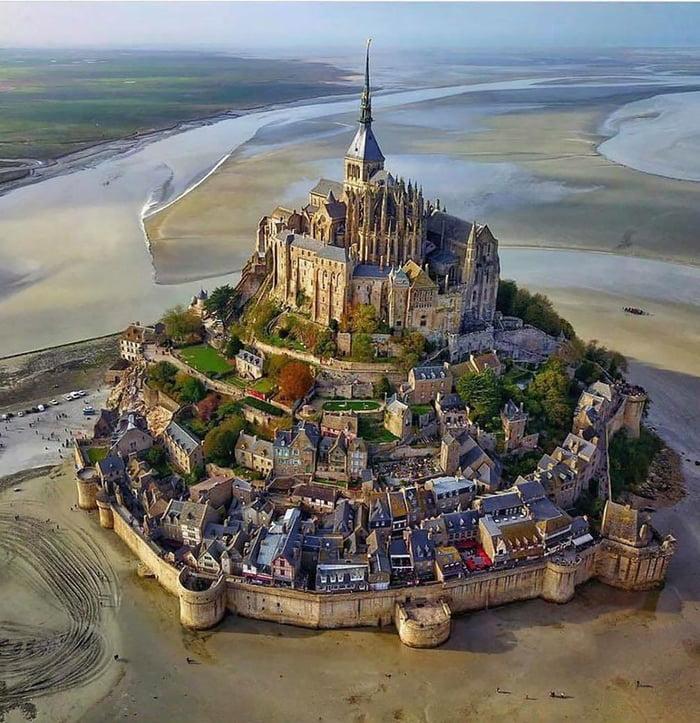 Mont Saint-Michel, low tide...