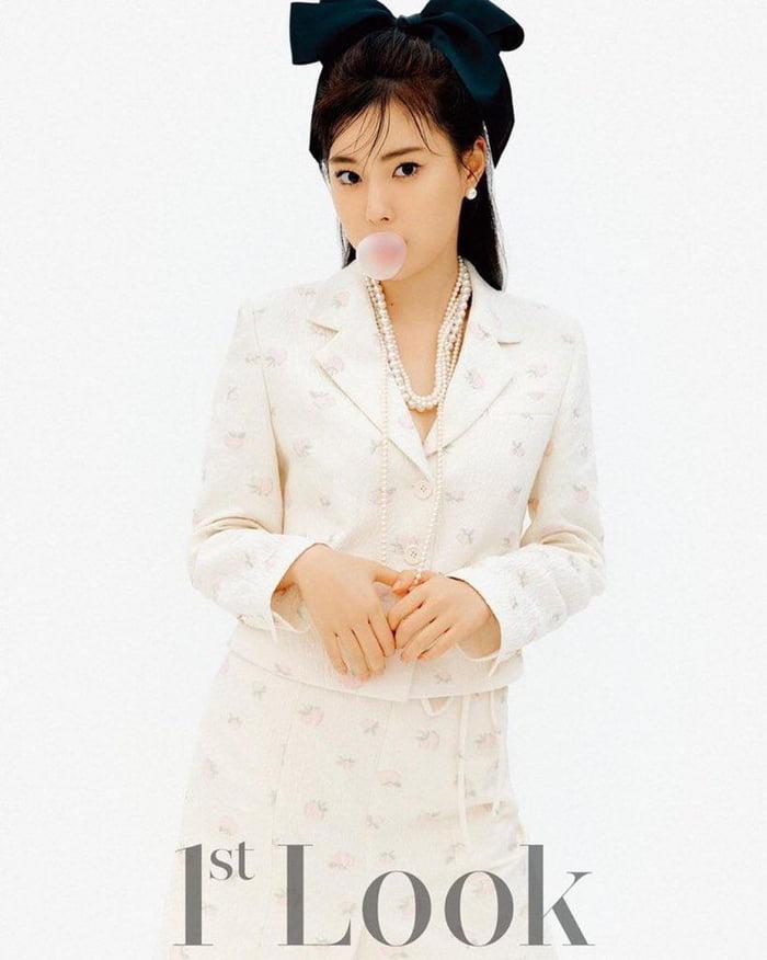 Photo : 210605 Kang Hyewon X 1st Look Magazine