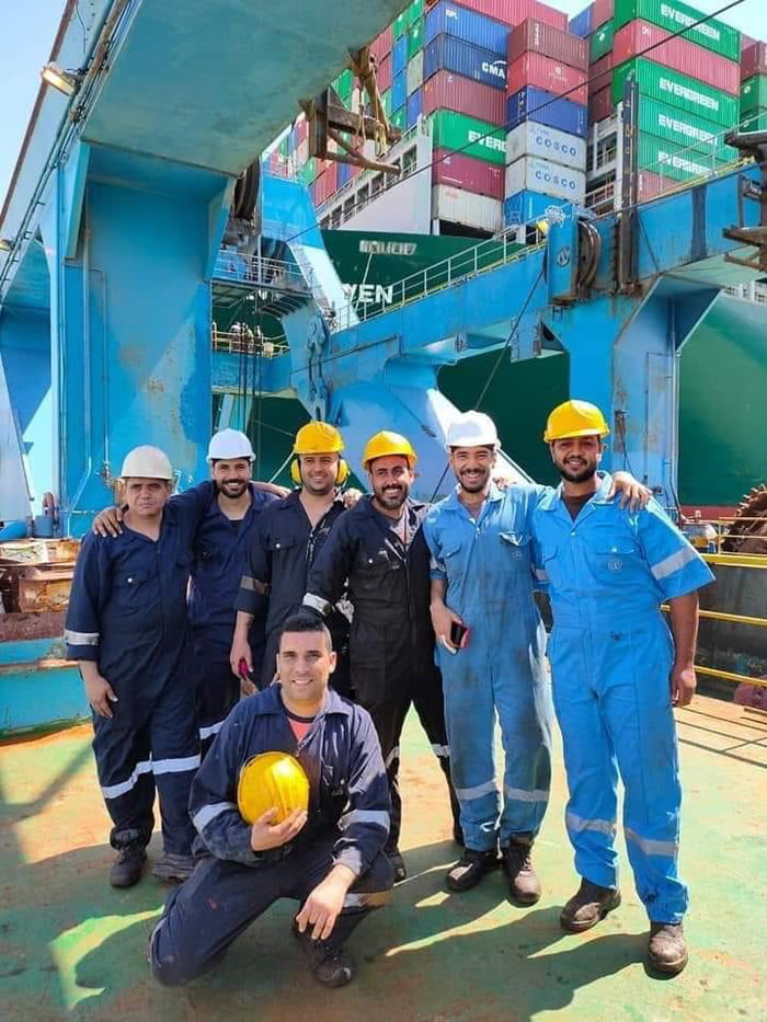 The Egyptian crew that unblocked the EVER GIVEN from the Suez Canal