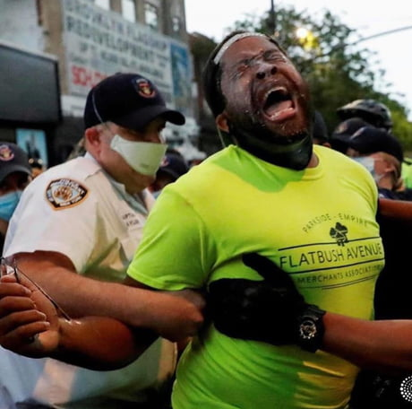 Awesome Cops pepper sprayed there own senator(@senatormyrie) without realising he is the authority figure