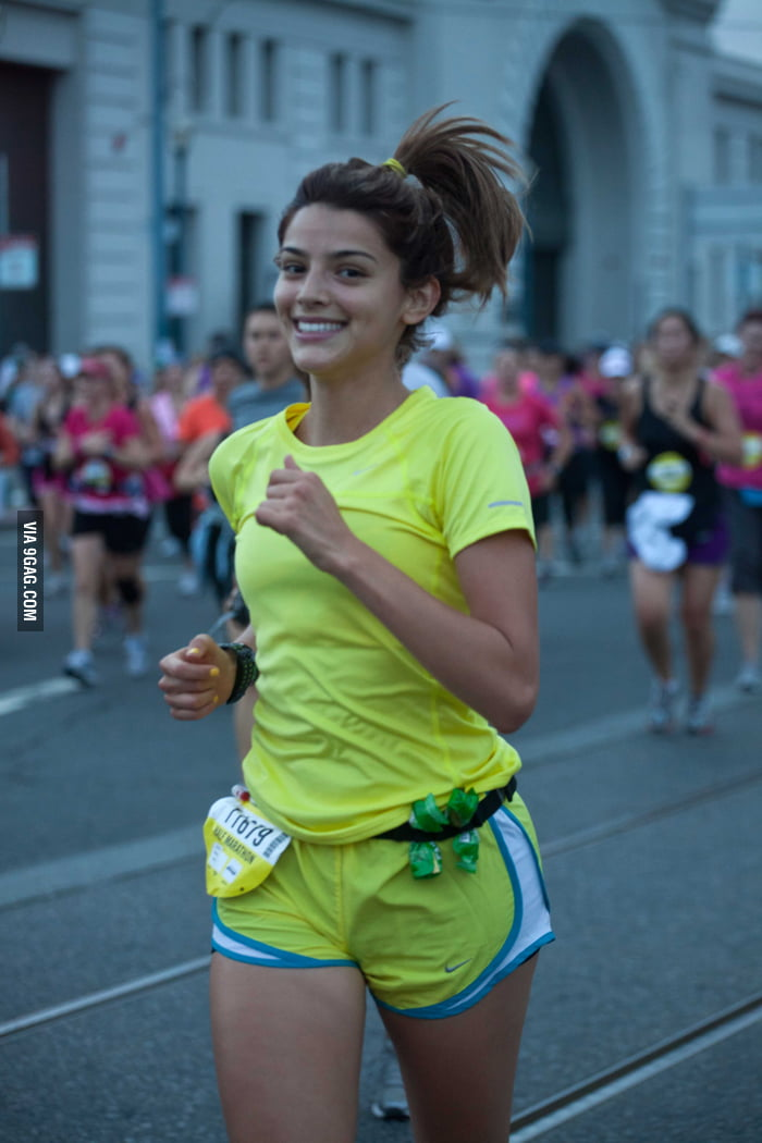 Ridiculously photogenic girl (Argentine Calu RIvero)
