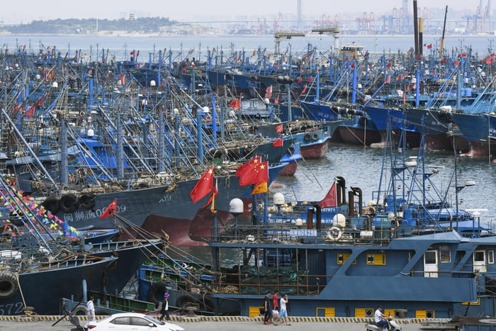 China monster fishing fleet,always illegally fishing at neighbours water territorial..