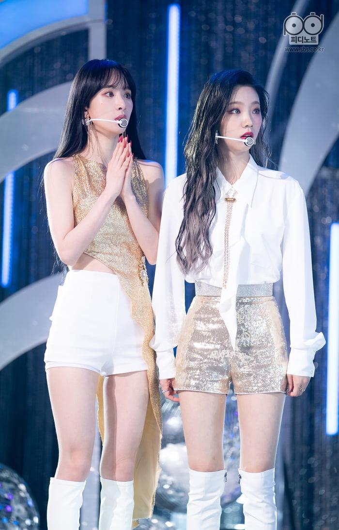Photo : SeolA & Yeoreum - WJSN