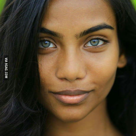 Another Photo Of The Maldivian Girl With Aquablue Eyes 9gag