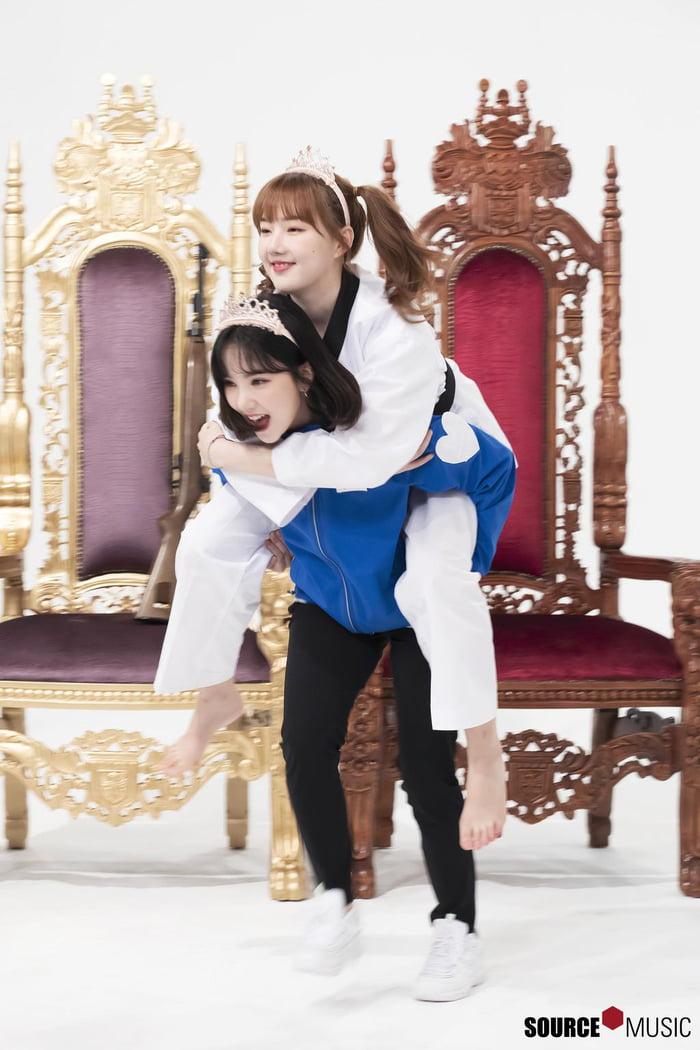 Photo : Yerin & her Eunha!