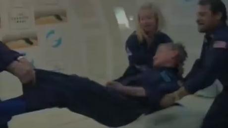Spephen Hawking Experiencing Zero Gravity - Video | Gif-Vif