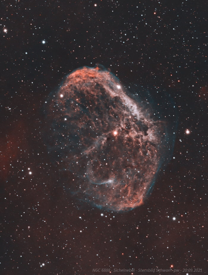 My latest astropicture. Shot in September from Munich, Germany. Crescent Nebula in Cygnus about 4.700 lightyears away from earth. About 2.5h of total integration time.