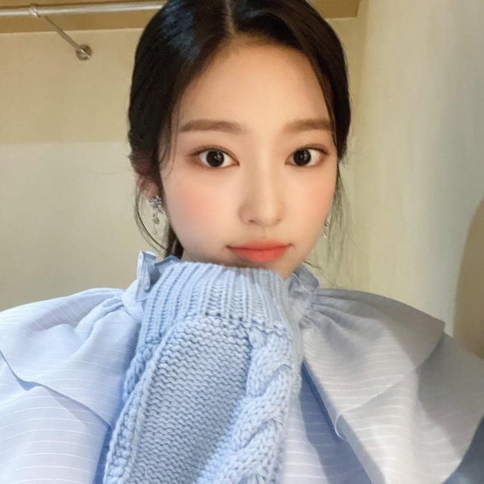 Photo : 210915 Kim Minju Twitter Update 2