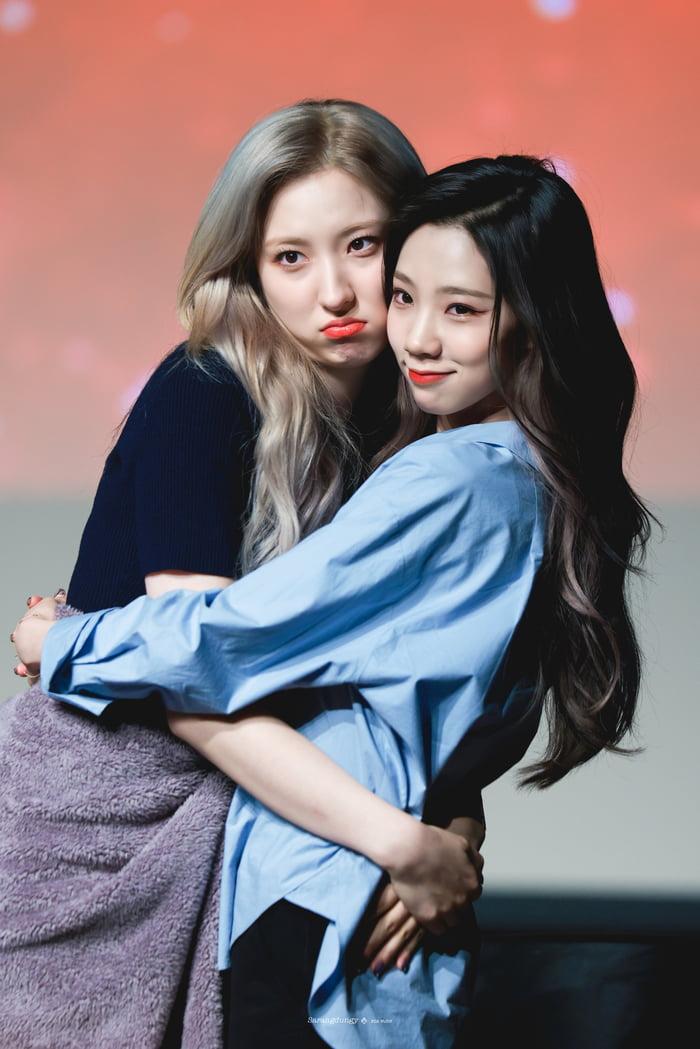 Photo : Eunseo & Yeoreum