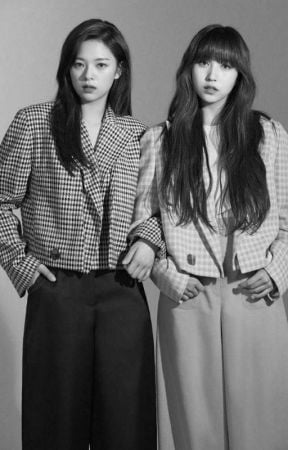 Photo : Jeongyeon & Mina from past life...