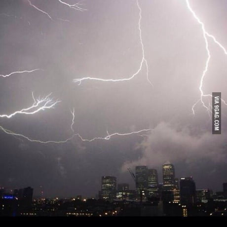 Lightning In London UK due to the hot weather
