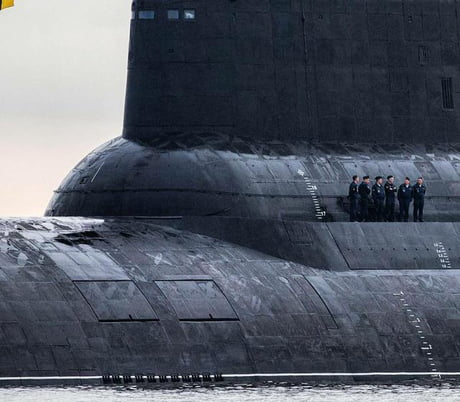 The size of this Russian Submarine