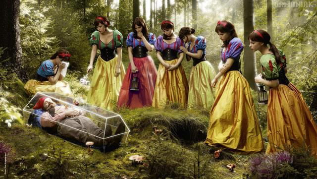 The dwarf and the seven snow white.