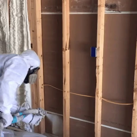 Spraying Insulation Foam
